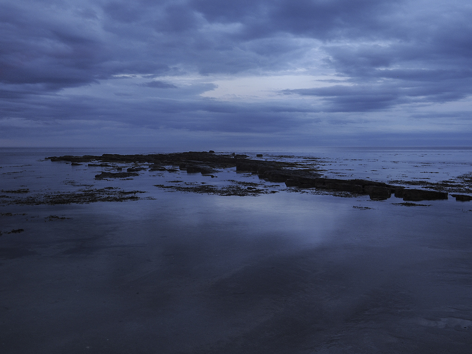 photoblog image The sun goes down by Beadnell Bay